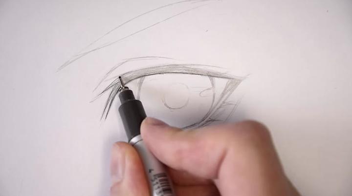 まずは鉛筆・シャープペンシルなどでラフを描きましょう